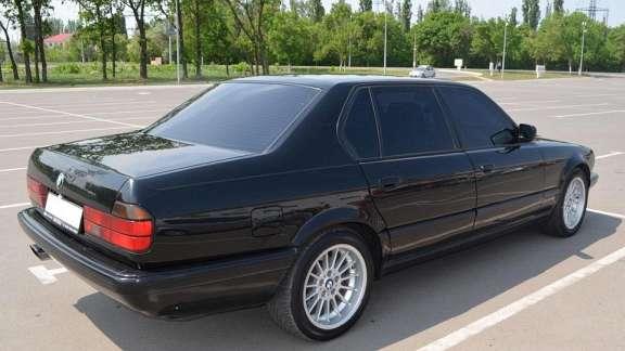 BMW 7er (E32) 735 i,iL 211 HP